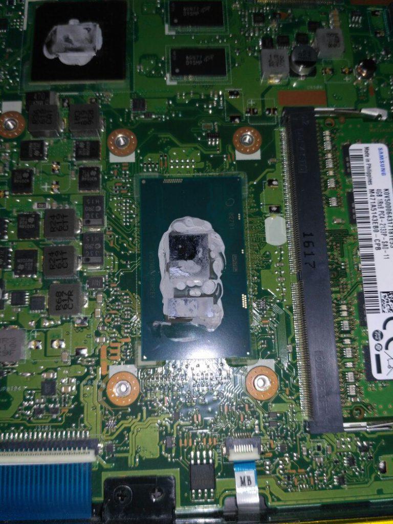 Ноутбук Asus 556U, разборка и чистка ноутбука Asus 556U, замена термопасты, потайные болты